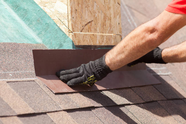 Signs to Detect a Wind Damaged Roof